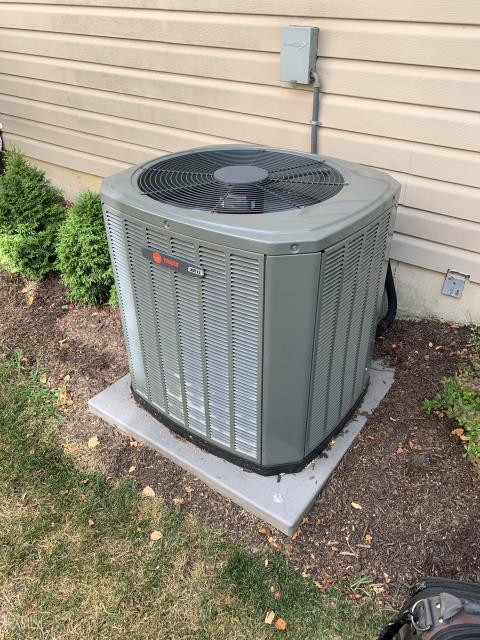Springboro, OH - 2012 Trane AC outdoor fan is not running. Found fan side of capacitor has failed. Replaced Compressor-Motor Surge Capacitor and cycled system. Unit operational at time of departure.