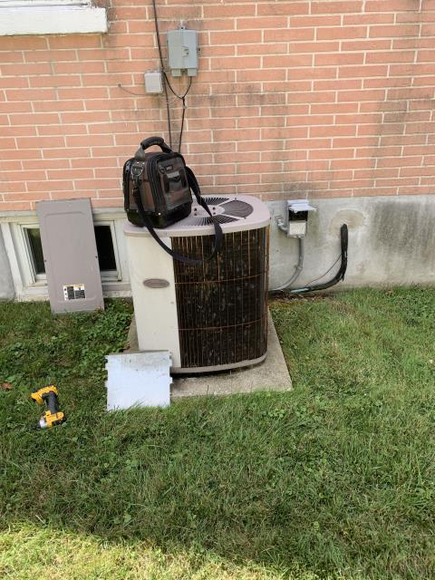 Fairborn, OH - here for a 22 year old air conditioner that is not working properly. On arrival found outdoor unit not running due to a failed capacitor.