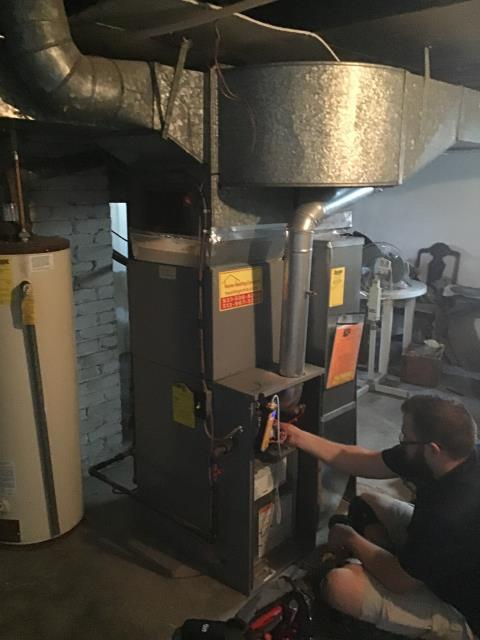 Dayton, OH - Performing our Five Star Tune-Up & Safety Check on a  2001 Gas Furnace . All readings were within manufacturer's specifications, unit operating properly at this time.