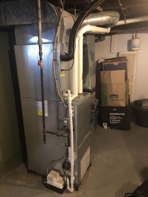 Beavercreek, OH - I am Performing our Five Star Tune-Up & Safety Check on a   Gas Furnace. All readings were within manufacturer's specifications, unit operating properly at this time.