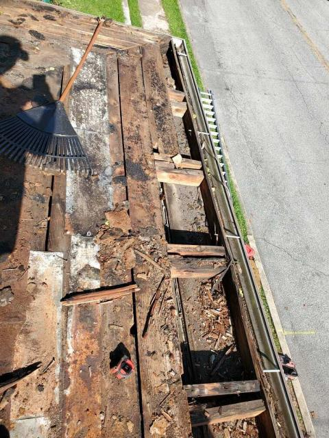 Hagerstown, MD - Customer needed roof replacement due to missing shingles and rotted plywood