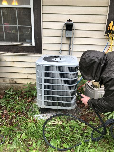 Springboro, OH - Performing a diagnostic on a Aprilaire Electric Heat Pump for the Customer.
