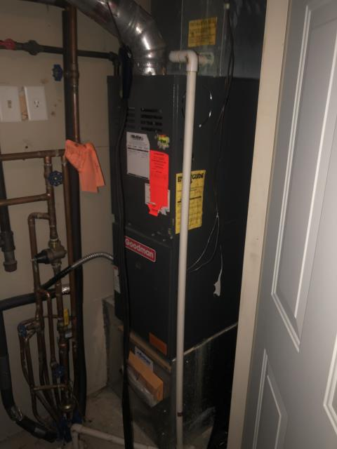 Kettering, OH - I am Performing our Five Star Tune-Up & Safety Check on a   Gas Furnace. All readings were within manufacturer's specifications, unit operating properly at this time.