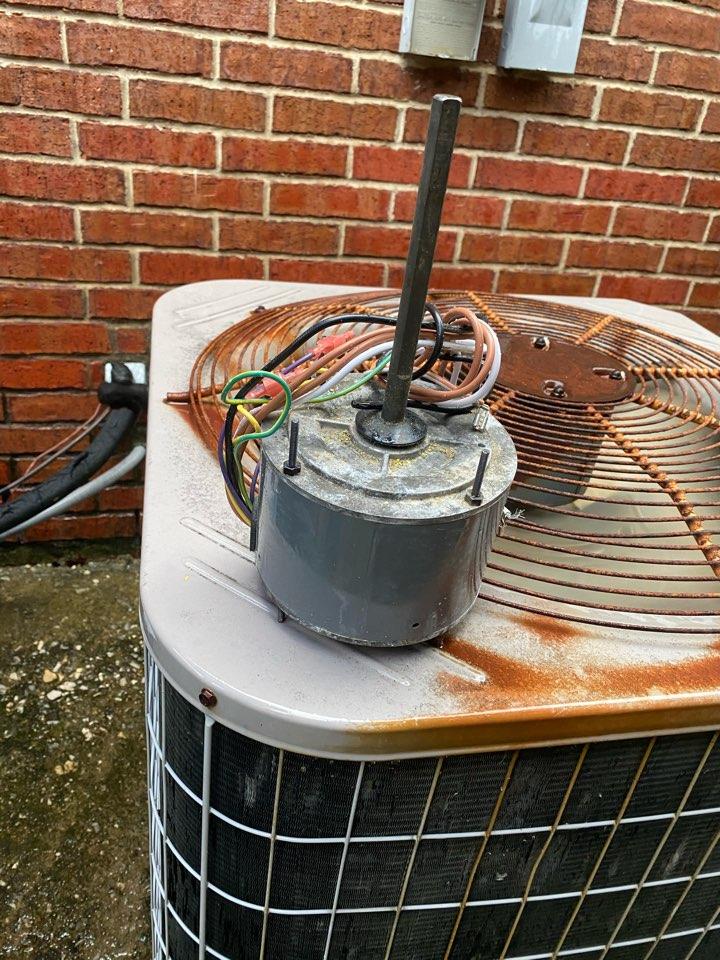 Garland, TX - Replacing fan motor