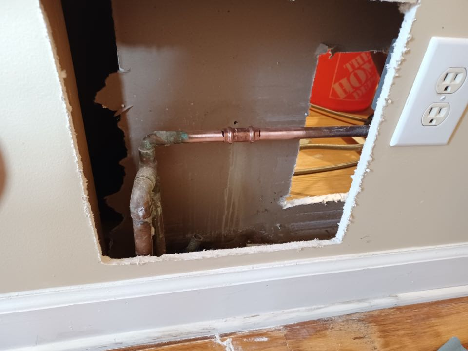 Copper pinhole leak repair