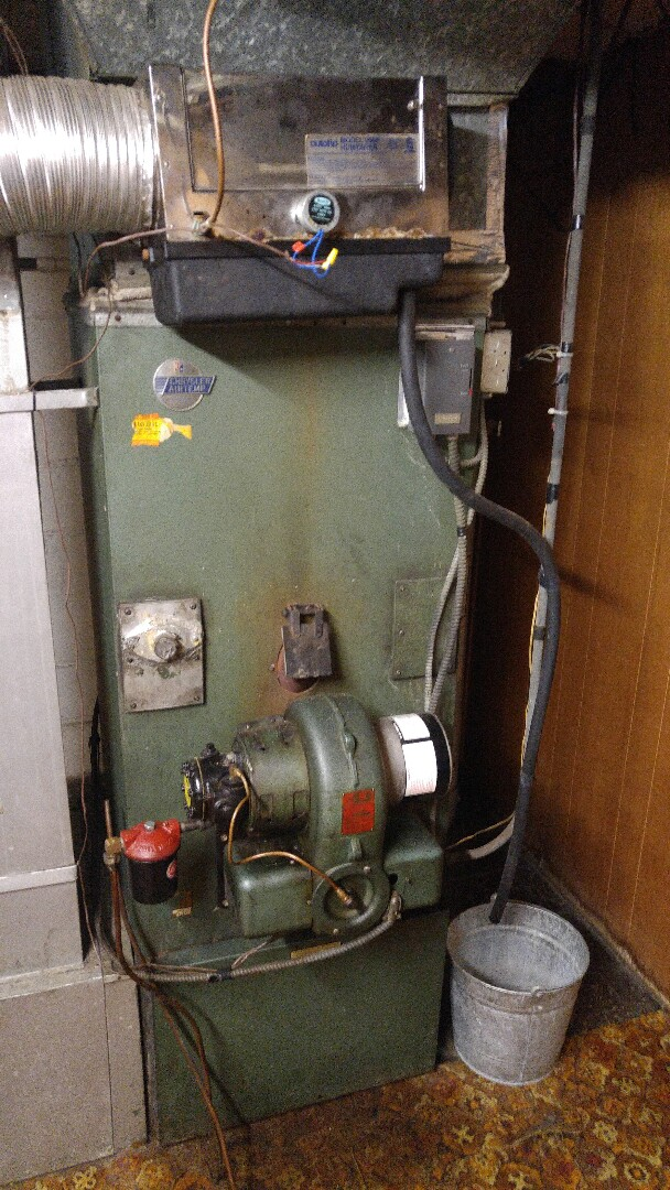 Highland Park, NJ - Yearly service on a Chrysler Airtemp furnace.