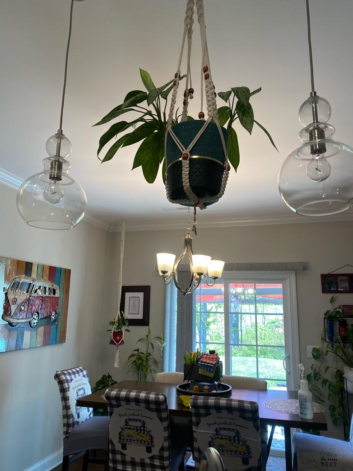 Kernersville, NC - glass chandelier cleaned