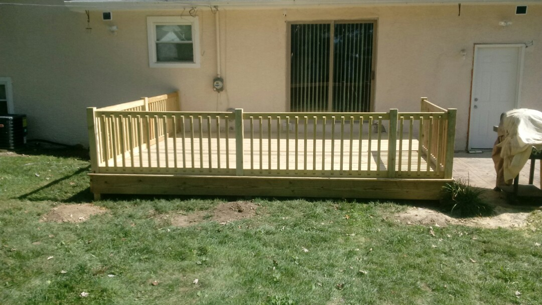 Columbus, OH - Fence and deck install