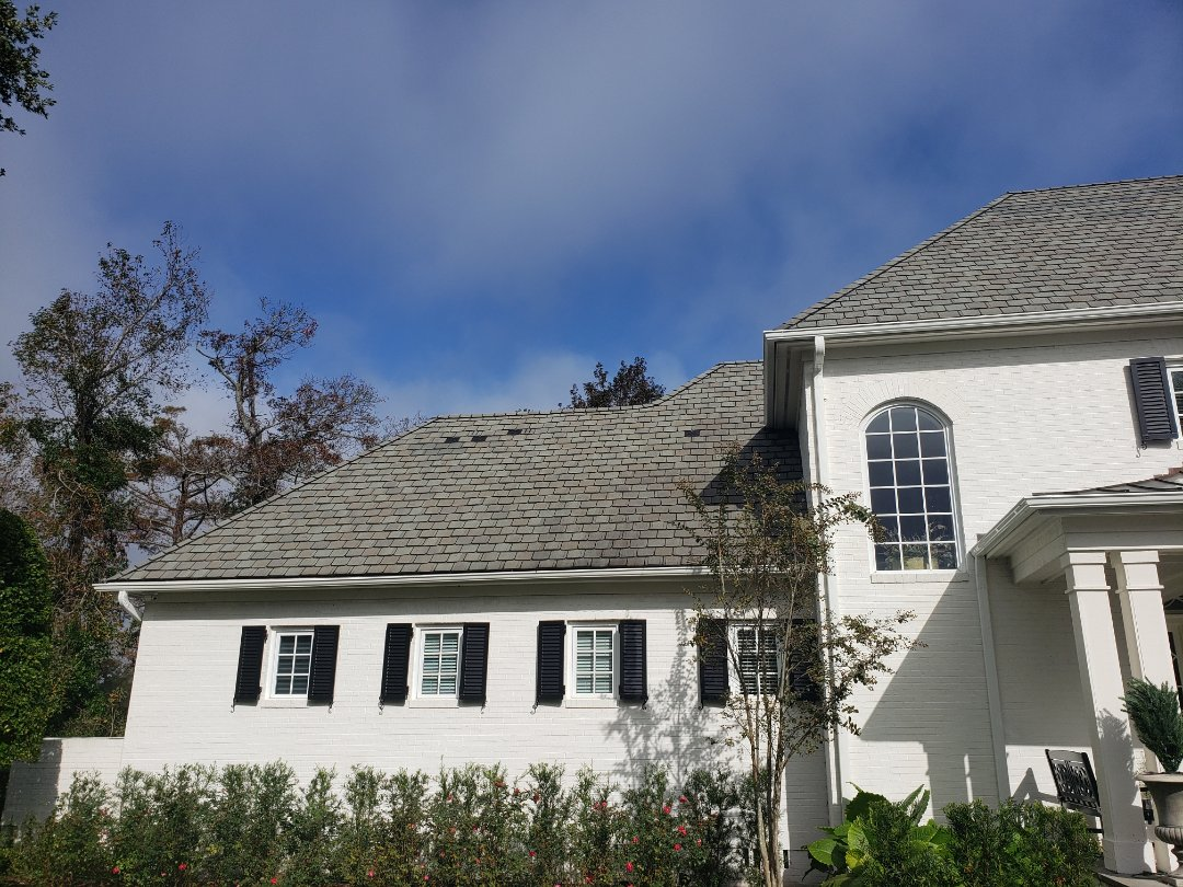 Wilmington, NC - Giving a free estimate for a roof repair in Landfall!