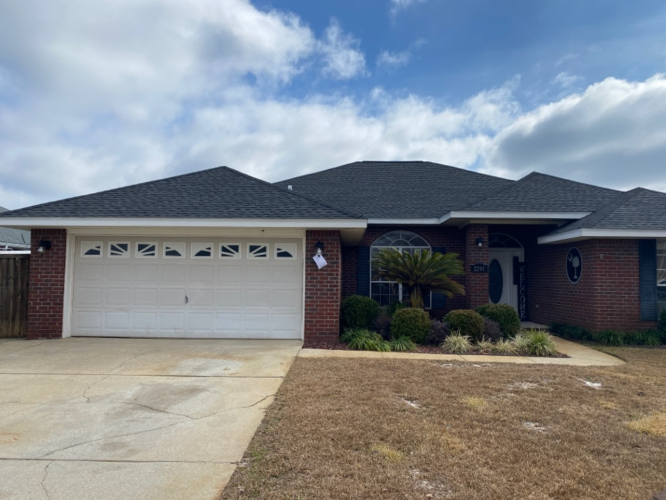 Gulf Breeze, FL - New black architectural shingles for this a homeowner installed last week.
