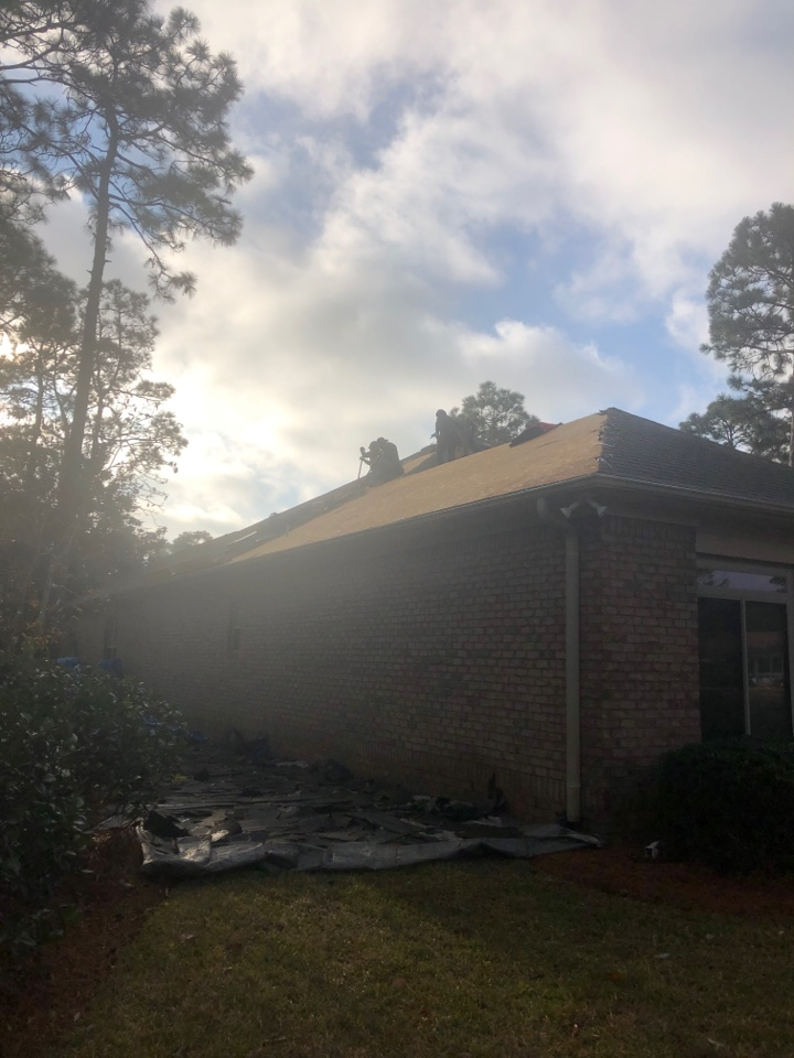 Wilmington, NC - Getting started this morning on a brand new roof