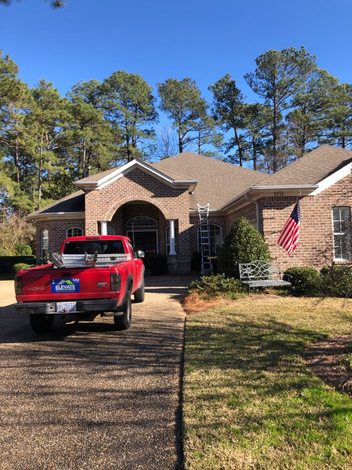 Wilmington, NC - Giving a free roof inspection for a possible insurance claim