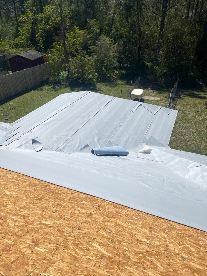 Pensacola, FL - New roof installation. GAF sSilver Pledge!