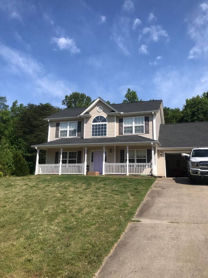 Inman, SC - GAF Charcoal shingle roof. 50 year warranty