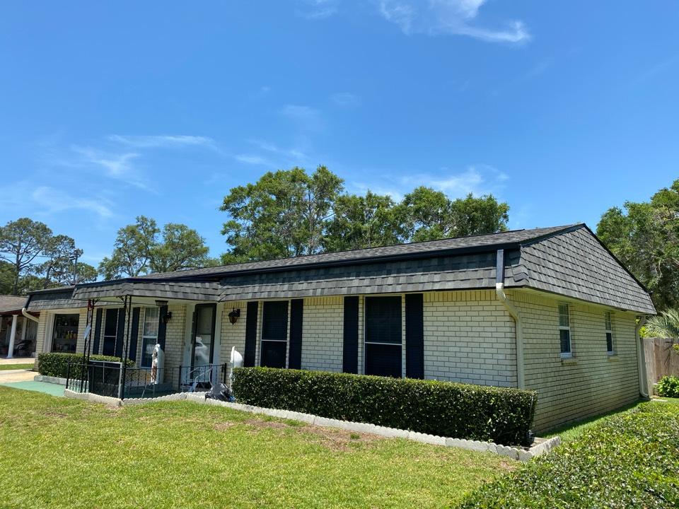 Pensacola, FL -  Newly installed Certain Teed Landmark Georgetown Grey from Elevate.