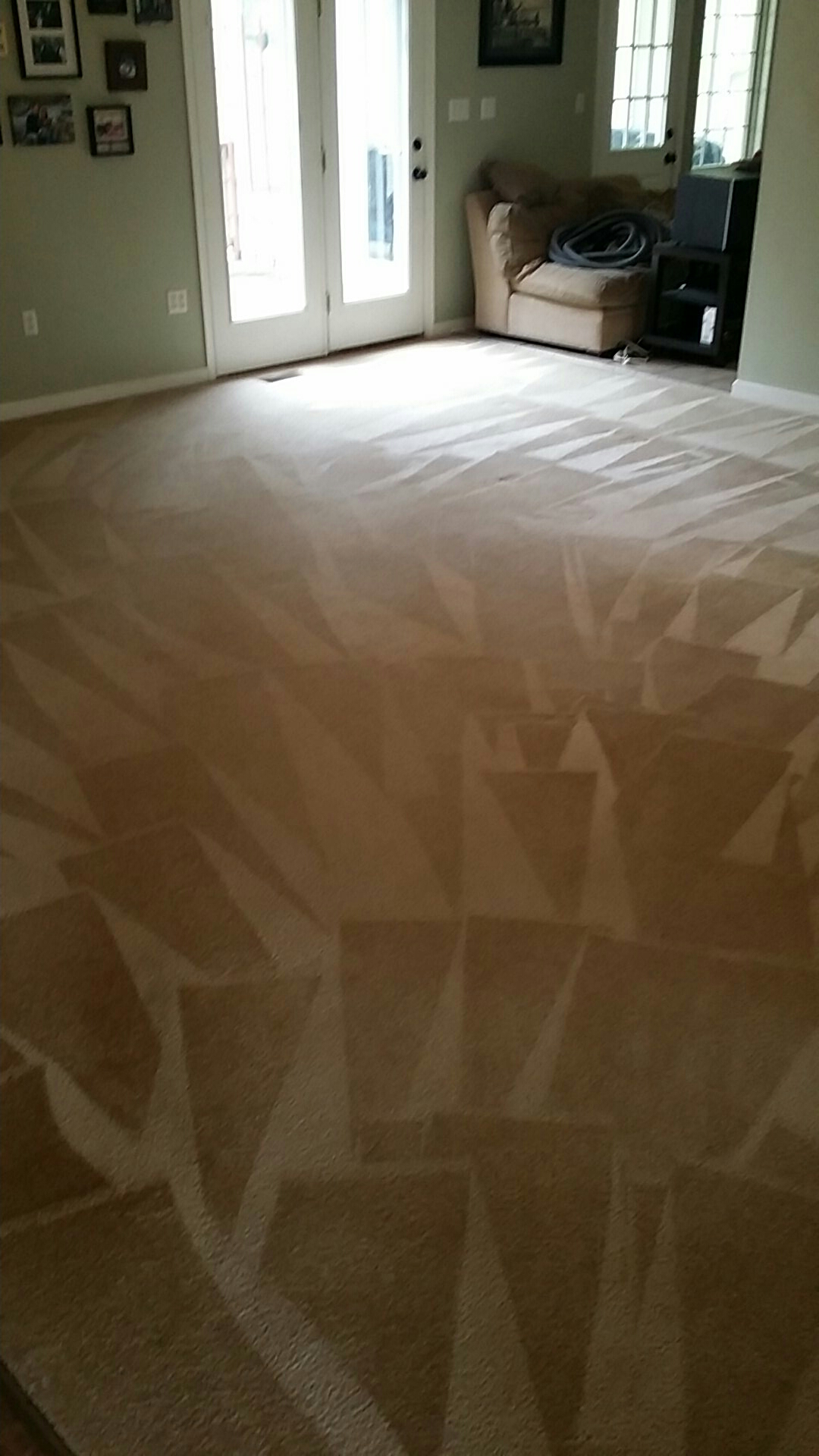 Powhatan, VA - Carpet turned out brand new for 10+years old! Customer Happy!