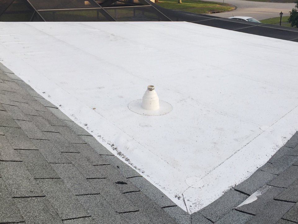 Clearwater, FL - Arry's Roofing installed this GAF Everguard TPO flat roof in Clearwater.