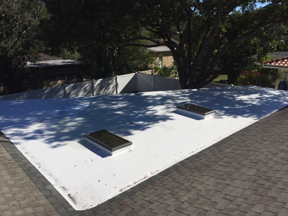 Tarpon Springs, FL - This is a GAF Everguad TPO flat roof and two velum skylights installed by Arry's Roofing.