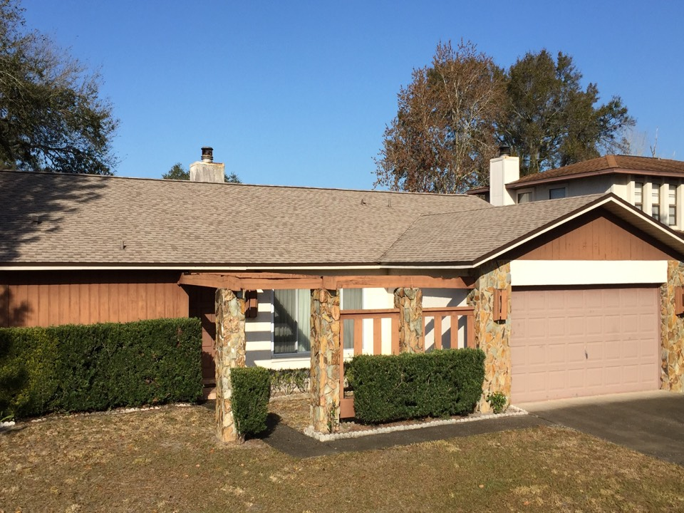 Clearwater, FL - Arry's Roofing just installed this GAF shingle re-roof on a home in Clearwater.