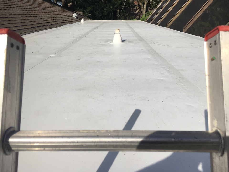 Clearwater, FL - This a beautiful GAF Everguard TPO flat roof that Arry's Roofing just installed in Clearwater.