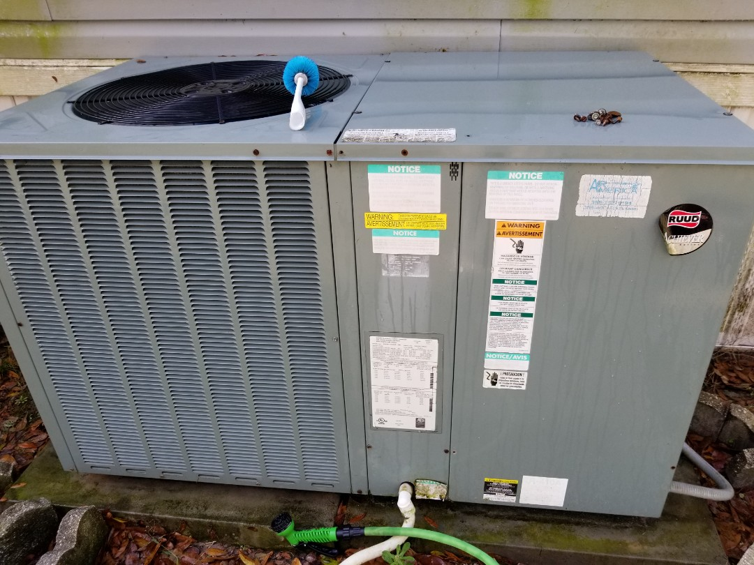 Lake City, FL - Did maintenance on 8 year old rheem package unit