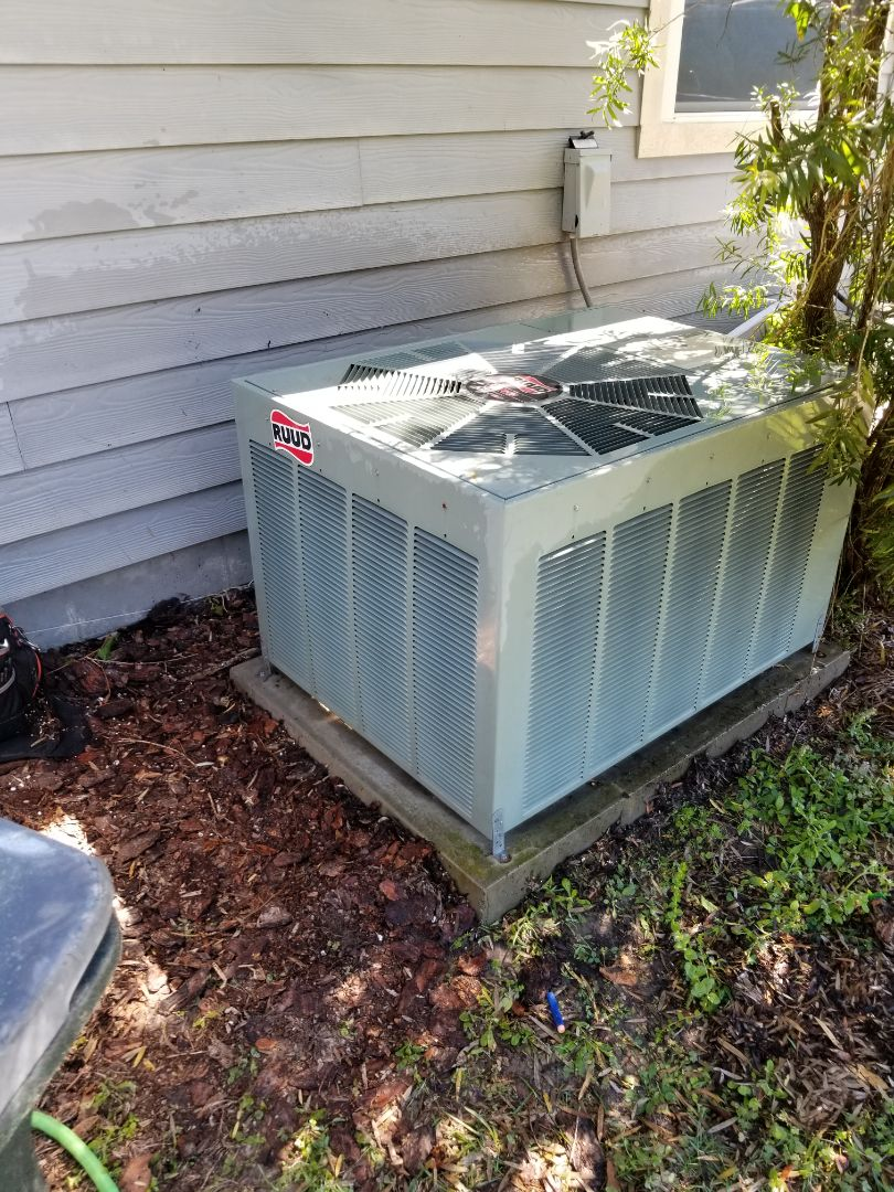 High Springs, FL - Did maintenance on 13 year old rheem system