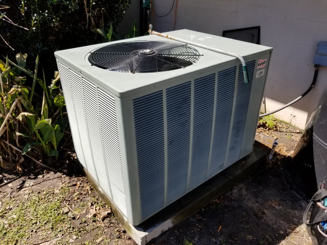 Fort White, FL - Did maintenance on 11 year old rheem system