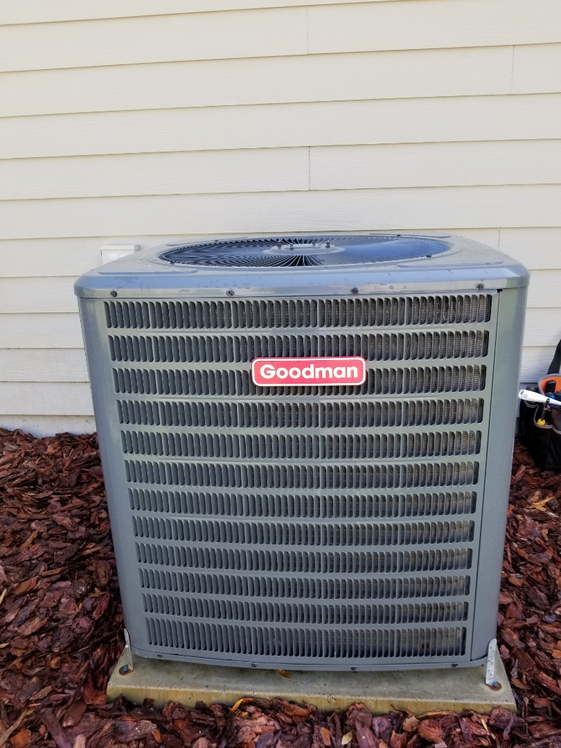 Gainesville, FL - Did maintenance on 2yr old Goodman system installed surge protectors and start assist
