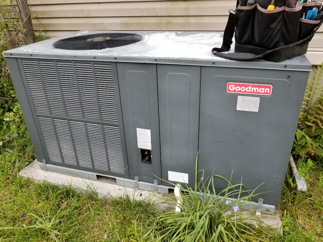 Alachua, FL - Diagnosed bad ductwork on 6yr old Goodman package unit
