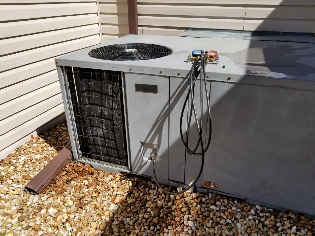 Gainesville, FL - Did maintenance on 15yr old trane package unit