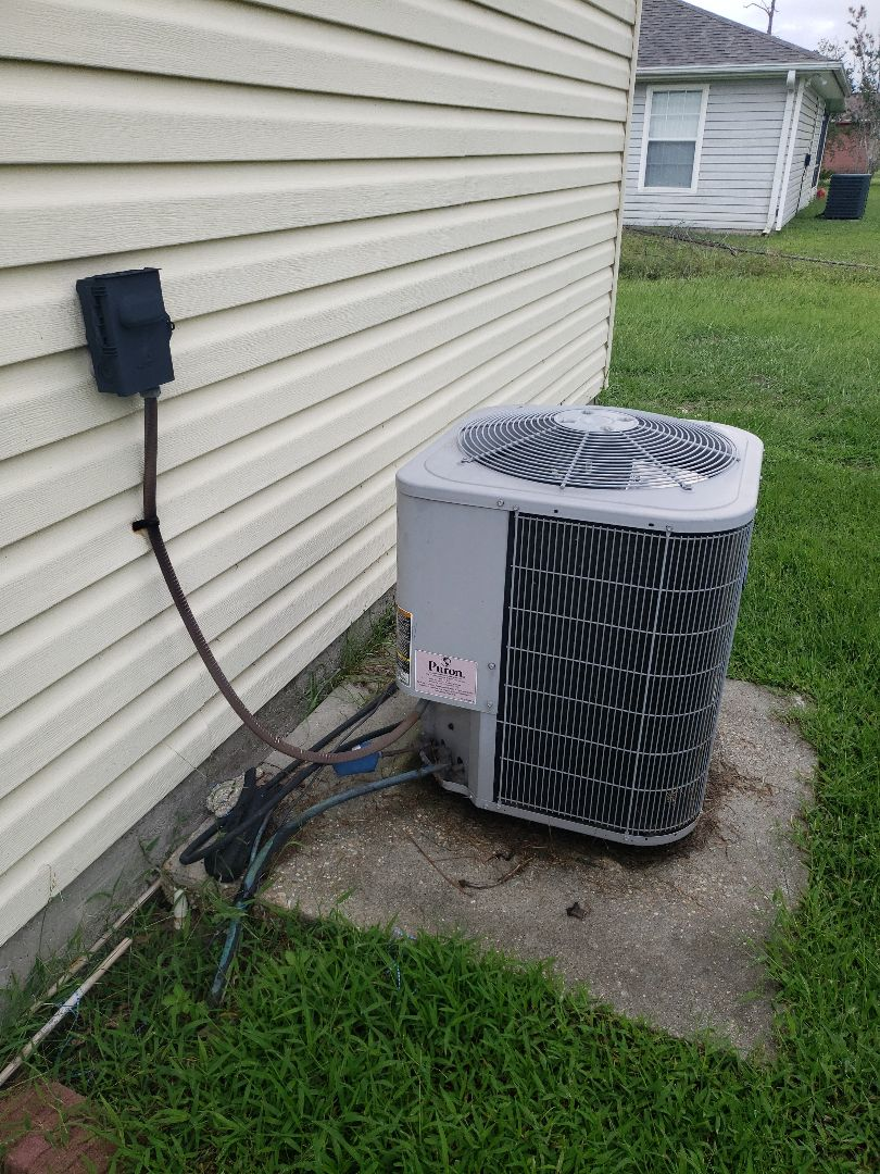 Looking at duct work and HVAC unit for a contractor