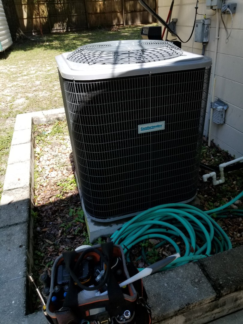High Springs, FL - Did maintenance on 4yr old comfort maker system