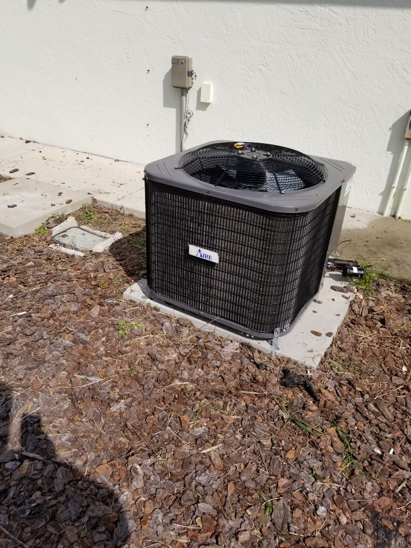 High Springs, FL - Put universal condenser fan motor in V Aire system