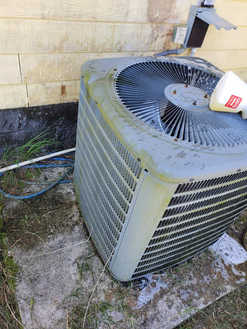 Branford, FL - Annual maintenance on goodman ac system