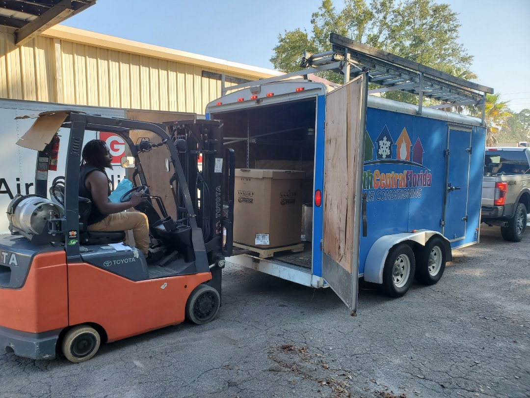 Gainesville, FL - Out at Goodman getting loaded up with high quality equipment for today's install.