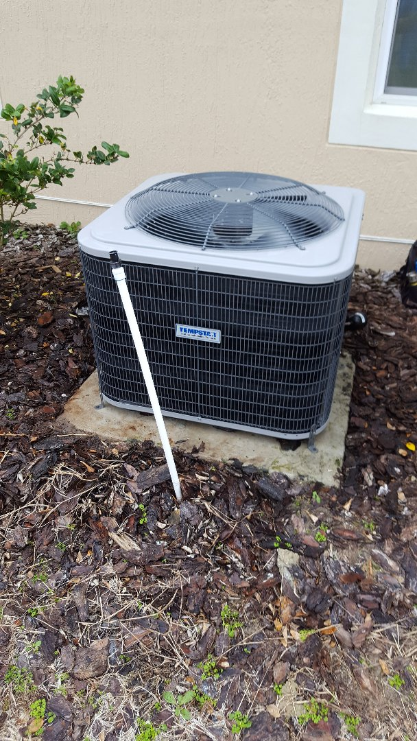 Newberry, FL - Doing maintenance on two-year-old Tempstar heat pump