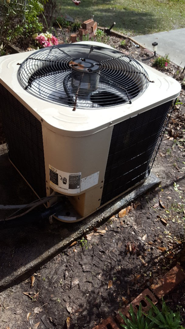 Lake City, FL - Doing maintenance on 12 year old Nordyne system