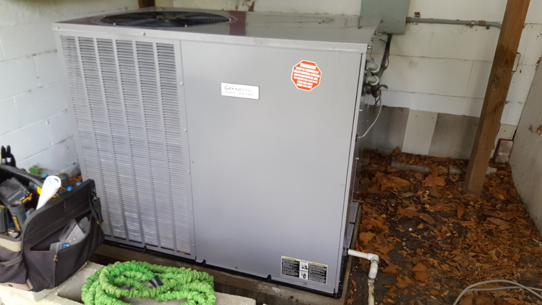 Lake City, FL - Did maintenance on six-year-old grandaire package unit