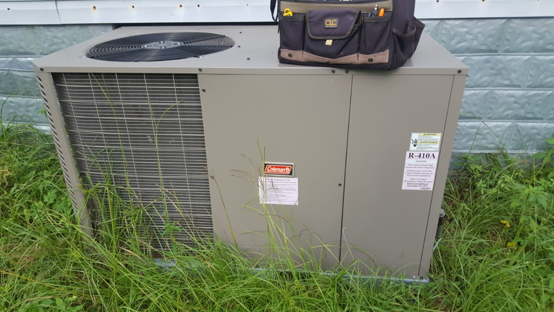Williston, FL - Installed new thermostat on 3 year old Coleman package unit on diagnostic