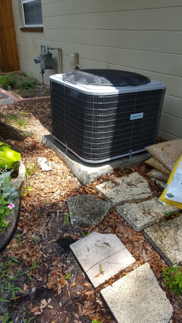 Williston, FL - Did maintenance on four-year-old Comfortmaker system