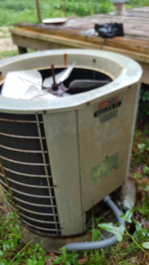 Williston, FL - Found grounded compressor on 24 year old Coleman system