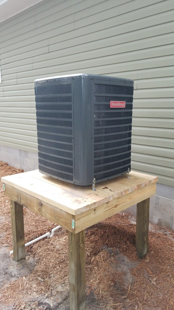Mayo, FL - Customers in flood planes need cooling too.  Brand new goodman unit on new home