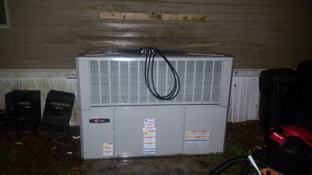 Fort White, FL - Did maintenance on 3 year old Trane package unit