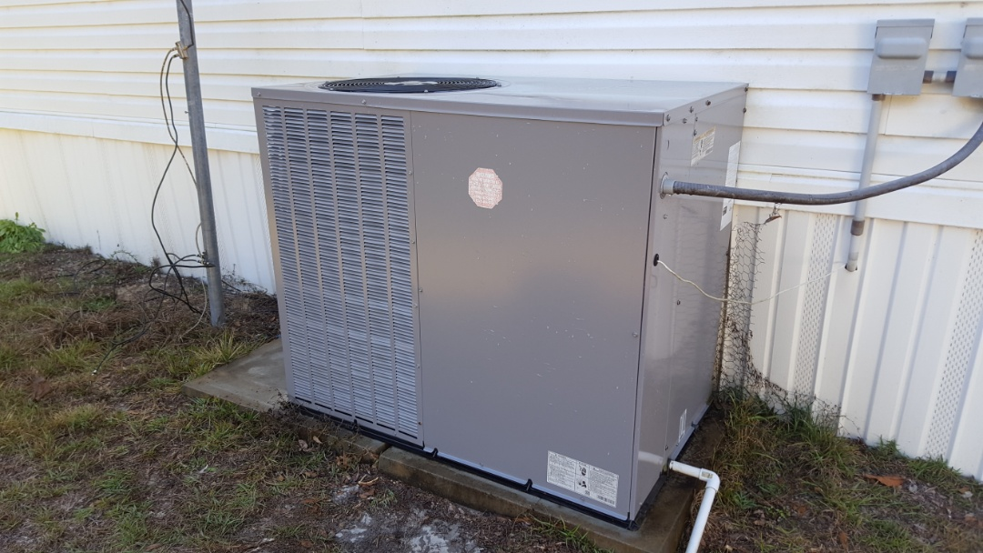 Alachua, FL -  did maintenance on three year old Comfortmaker package unit