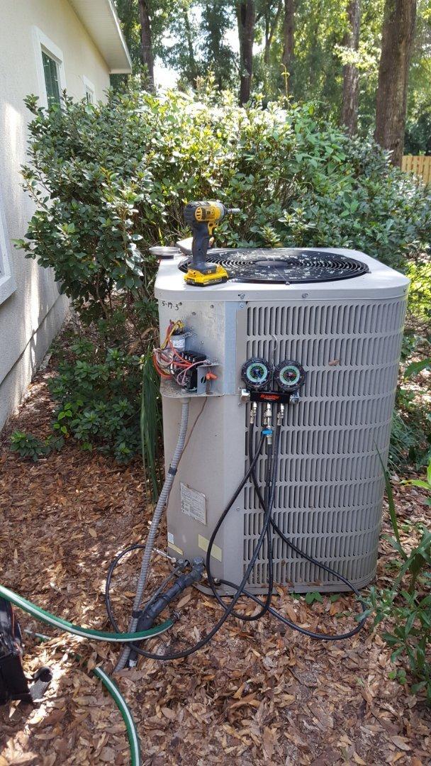 Gainesville, FL - Did maintenance on 18 year old AC gas furnace Goodman