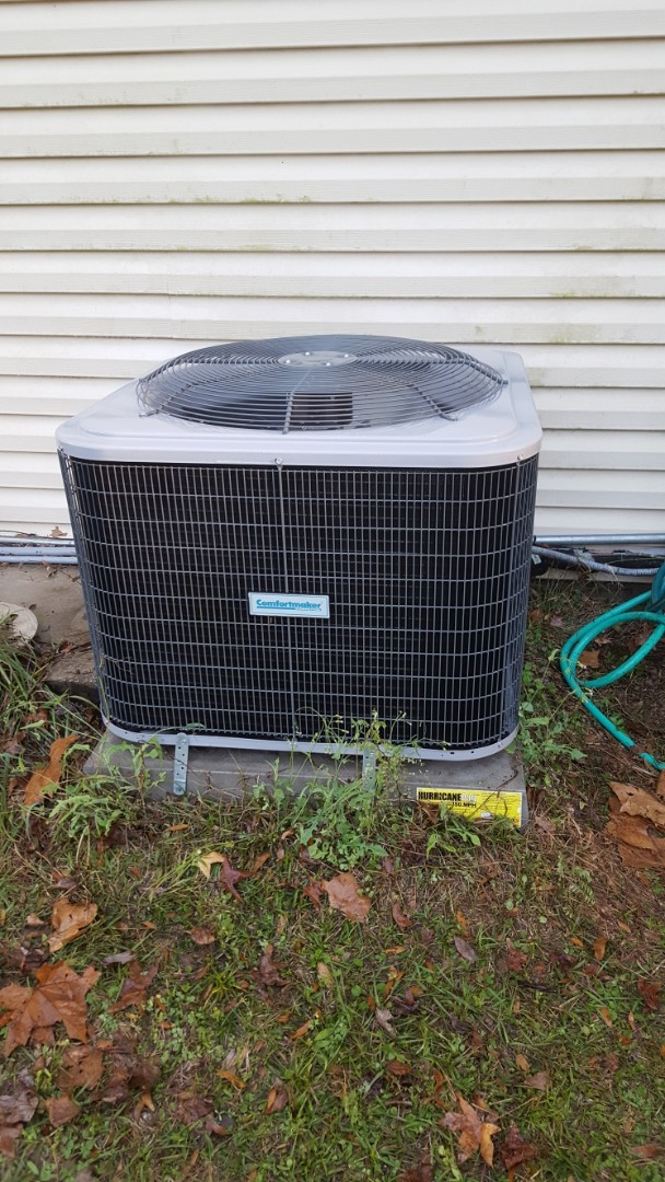 Newberry, FL - Did maintenance on three-and-a-half-year-old Comfortmaker system
