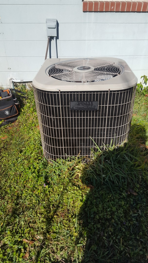Alachua, FL - Did maintenance on 17 year old Amana system