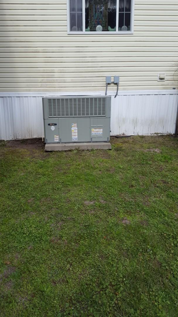 High Springs, FL - Did maintenance on 3yr old trane package unit