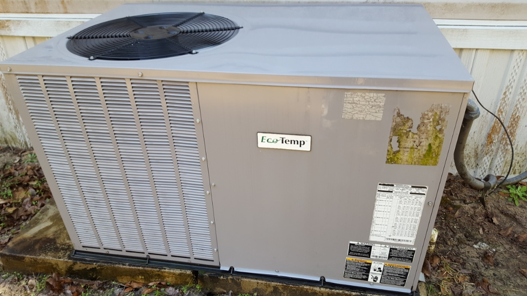 High Springs, FL - Did maintenance on three-and-a-half-year-old eco-system package unit