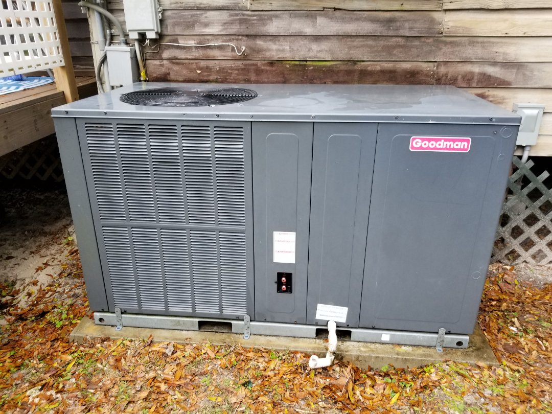 High Springs, FL - Did   Maintenance on 5 year old Goodman package unit